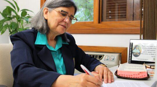 Diretora Geral convoca as comunidades para celebrar o aniversário da Congregação com ações solidárias